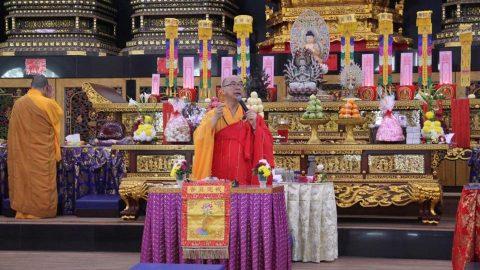 UPACARA PELETAKAN ARCA BUDDHA SERTA BERKAH TAHUN BARU MELALUI UPACARA NAMASKARA MAHA CUNDI KSHAMAYATI DI MKBC (medan)